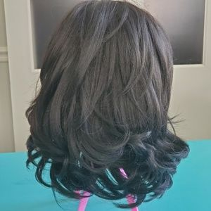 Synthetic wig with bangs